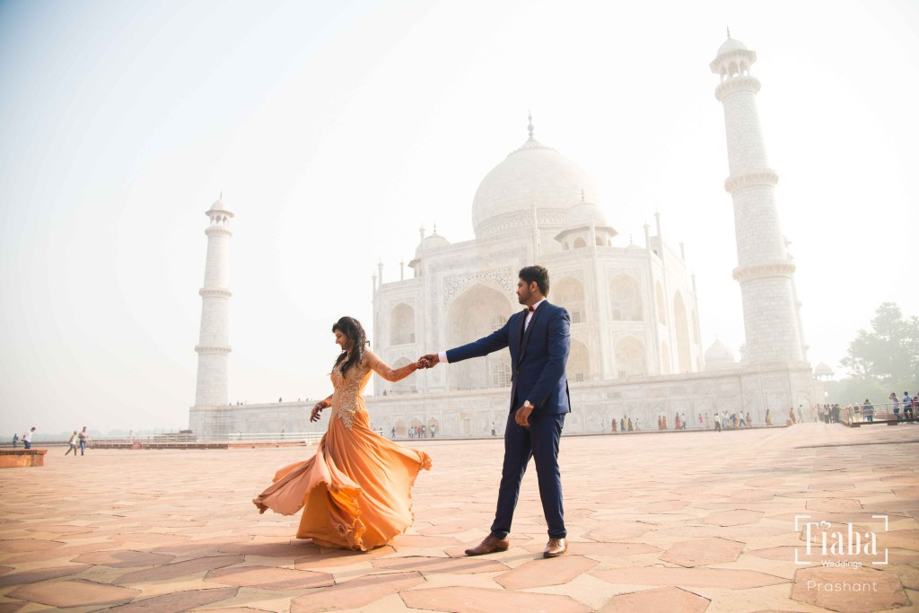 Destination Pre Wedding Shoot at Taj Mahal