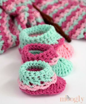 Baby Bootie Pattern for Crochet by Moogly
