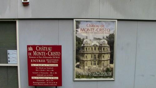 Monte Cristo signage