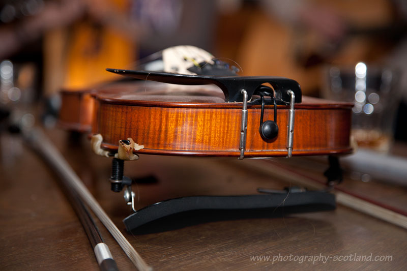 Playing a fiddle in tune