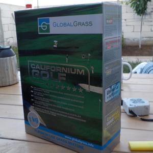am folosit 3 cutii de cate 1 kg de gazon californium golf pentru a obtine un gazon des