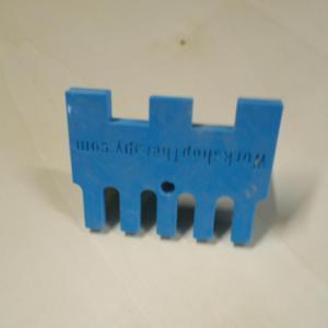 sablonul printat 3d a fost proiectat de noi astfel incat sa putem face imbinarea de tip pieptene cu freza de copiere