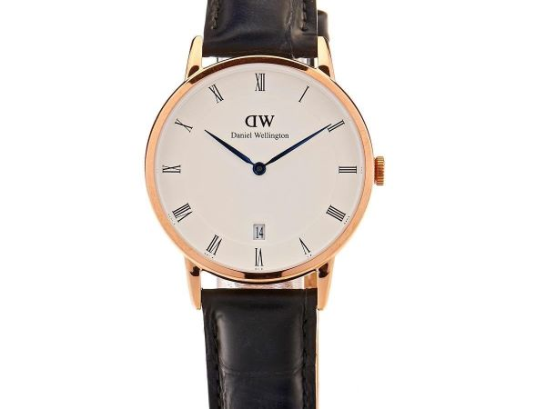 Daniel Wellington Dapper Women Quartz Watch with Analog Display and Black Leathe