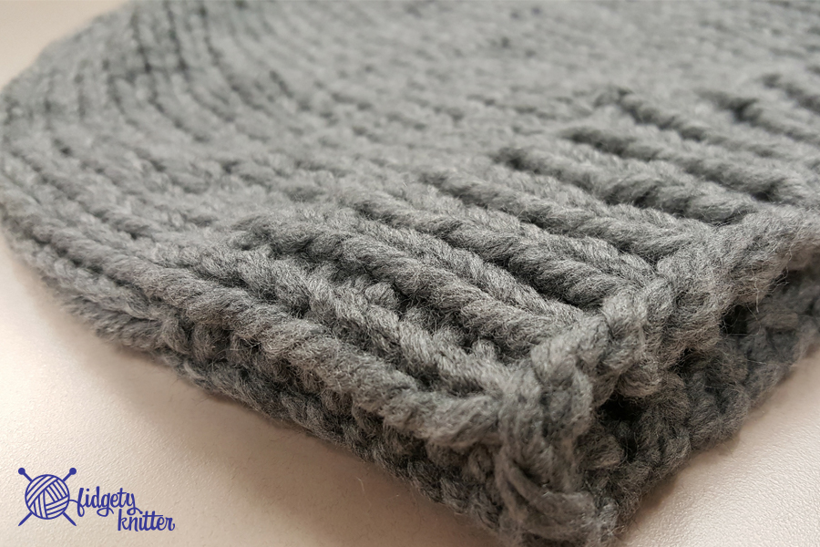 Ribbing closeup of the slouchy hipster hat