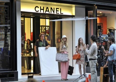 Blake+Leighton+film+outside+Chanel+k6Ve9LJUXQyl