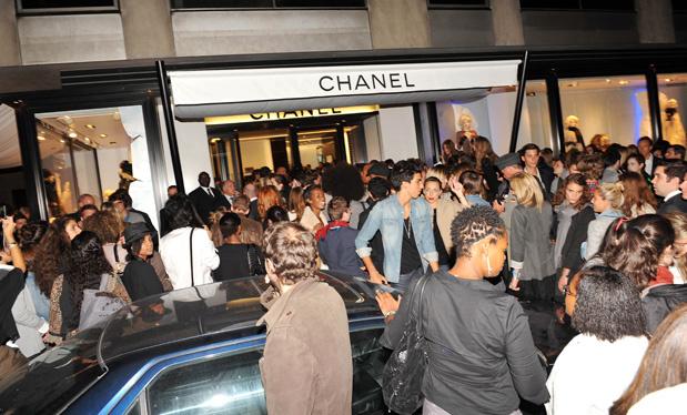 les_photos_de_la_vogue_fashion_night_par_st__phane_feug__re_176443323_north_619x374