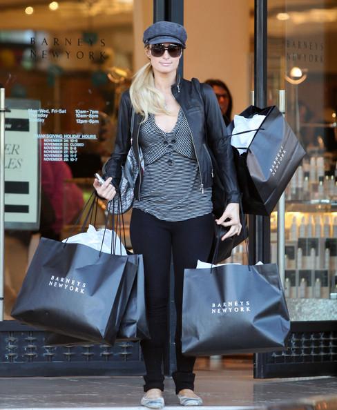 Paris+Hilton+Out+Shopping+Cy+Waits+Sister+Gdtanbhn5jIl