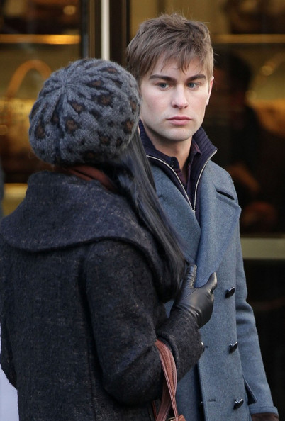 Chace+and+Tika+on+set+a9jgouxBsCBl