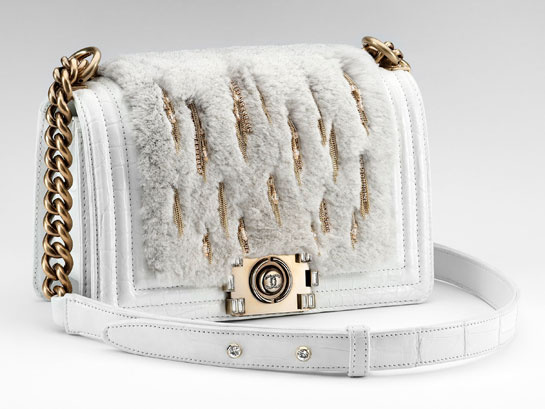 boy_chanel_bag_in_exotic_leather_and_orylag_fur_sac_boy_chanel_en_cuir_exotique_et_fourrure_orylag_229763369_north_545x