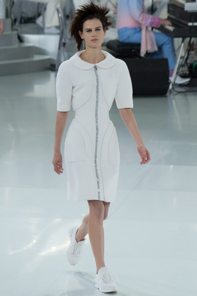 chanel-spring-2014-couture-13_104735543862