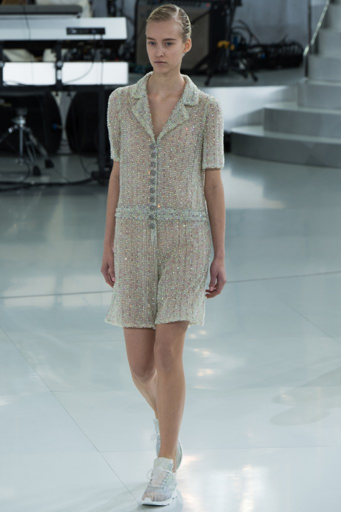 chanel-spring-2014-couture-34_104753230943