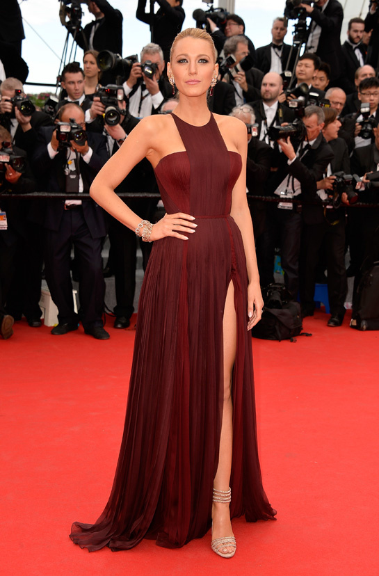 c__r__monie_d_ouverture_du_festival_de_cannes_blake_lively_en_robe_gucci_8444_north_545x
