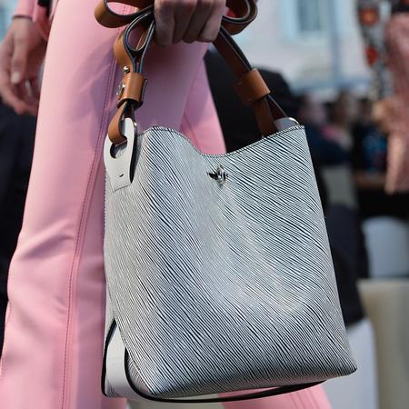 louis-vuitton-cruise-2014-collection-runway-show-handbags-grey-bucket-bag