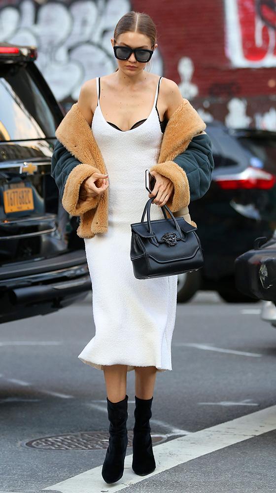 Gigi-Hadid-Versace-Palazzo-Empire-Mini-Bag-7