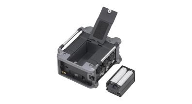 Zoom F6_with_battery