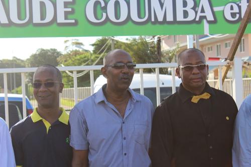 2-Claude-COUMBA-entouré-Alain-Tien-Liong-président-du-département-et-de-Athys-Jair-vice-président-du-département-délégué-au-sport