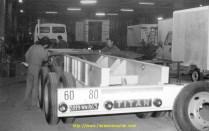 Dans les années 80, on prépare un chassis TITAN, marque disparue aujourd'hui. Aujourd'hui les chassis des remorques sont en général des Merker, ou LECI Trailer.