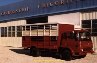 Une bétaillère sur chassis Bedford