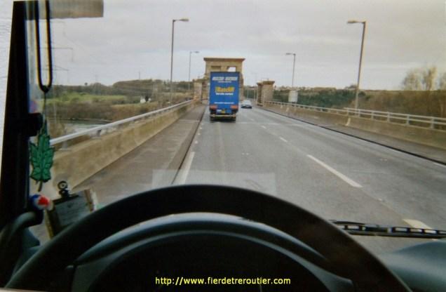 Britannia bridge près de Bangor, en allant au port à Holyhead, depuis Liverpool.