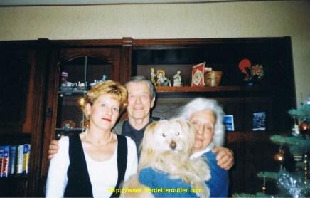 Ma femme Mireille avec mes parents et Siby.
