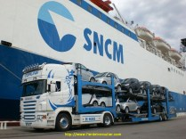 en attente à côté du bateau de la SNCM pour la Corse…