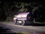 Saviem SM8 de 1972 pour la distribution des produits pétroliers.