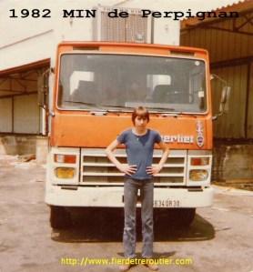 Le TR280 avant refection. Je devais avoir une dizaine d'années, on chargeait à St Charles aux « quais du Maroc » des oranges bien sûr.