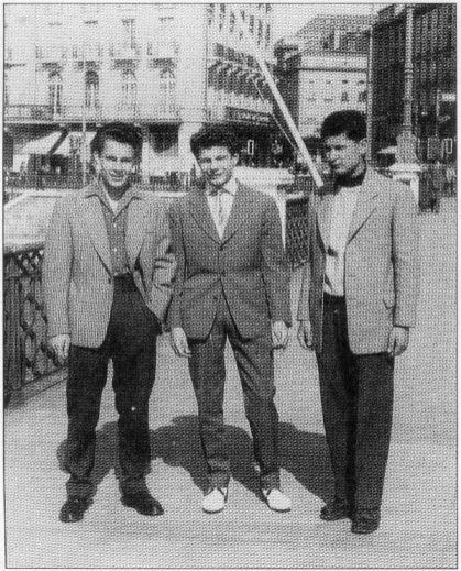 Avec deux amis à Geneve en 54