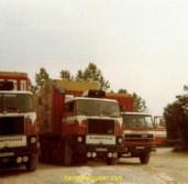 quelques Lompech et nos containers pour Bagdad (chaud bouillant sous les ponts en Yougo)