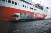 Philippe et son Iveco au port de Patras 10/1999.