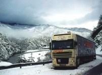 Moi, bloqué par la neige à vide au retour, toujours à pendalofos. J'y ai passé la nuit, la photo a été prise au petit matin.