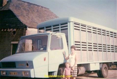 Ma mère mon petit frère et le Stradair