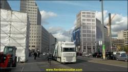 La Postdamer Platz, la fin d'une expo, on remballe