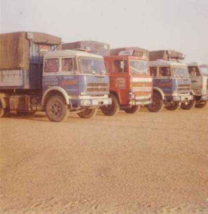 3 camions des transports Lombard