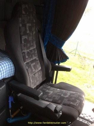 Un siège bien pratique pour conduire assis.