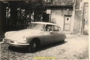 Alors la ça ne rigole plus la première voiture neuve acheté avec la sueur, et oui toujours moi au volant avec mon frére Alain.