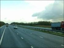 Direction NORTHWICH, pas de problème ! Ici les ponts sont à 5 mètres, alors 80 km / heure et sur autoroute tout le long. Ils sont bien ces anglais !