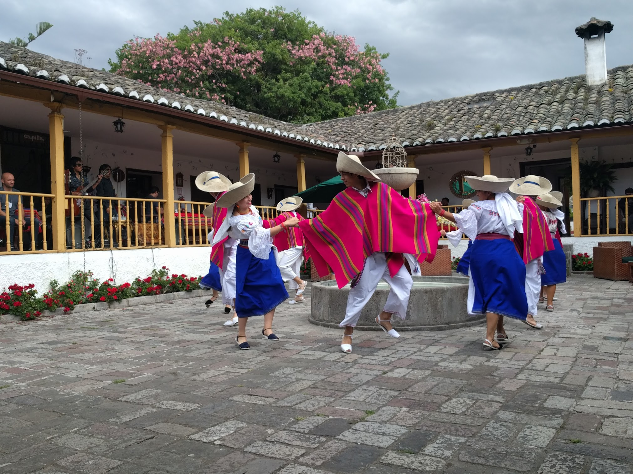 ecuador dancers