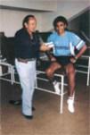 """Con el Pentapichichi Hugo Sánchez, en el estadio Santiago Bernabeu (Madrid, España), sede del """"Real Madrid"""", cuando el mexicano, militaba estelarmente en el Equipo Merengue"""