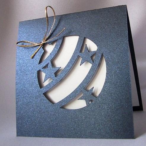 Tarjeta navideña 3D con diseño de bola de navidad