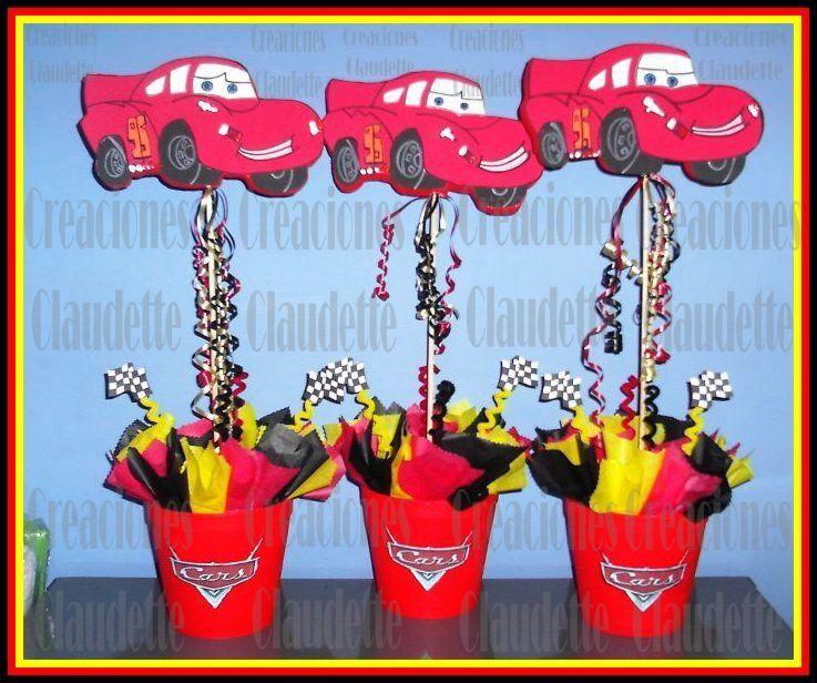 9e18dfc32 Hermosa piñata hecha con la temática del personaje usando el color rojo que  lo caracterisa. ideas_decoracion_fiesta_cars_03