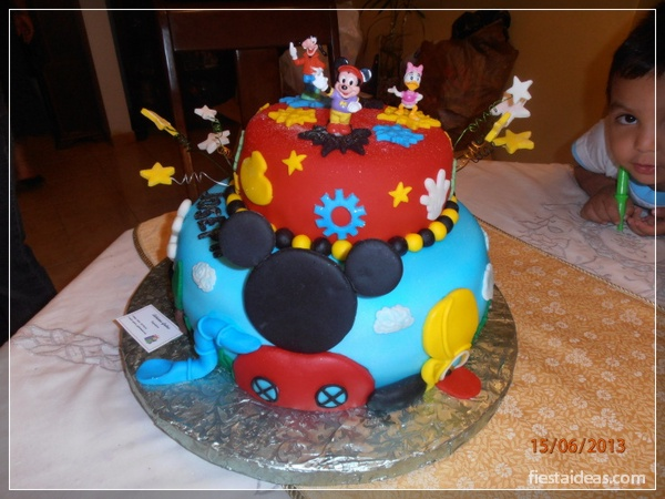 decoracion-fiesta-mickey-mouse-fiestaideasclub_tortas_00040