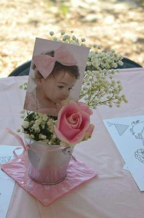 Centros de mesa para bautizo económicos con flores y valdes