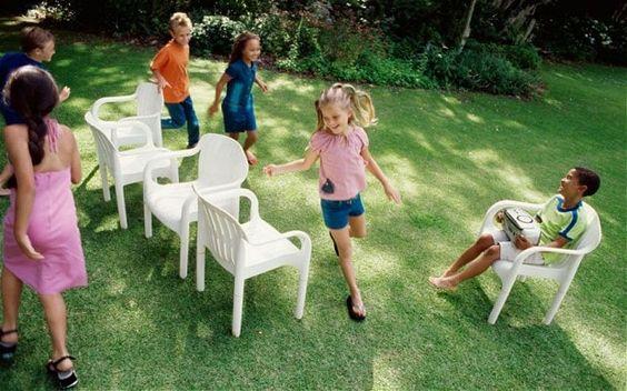 juego de las sillas musicales para fiestas infantiles