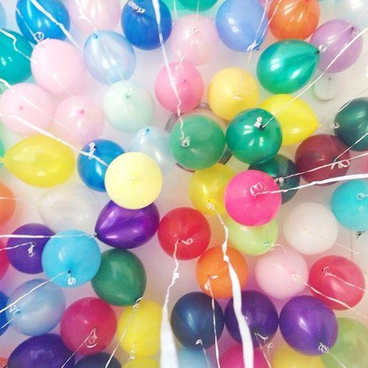 juegos de las piñatas sorpresa con globos para fiestas infantiles