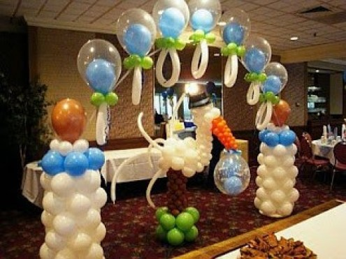 15 ideas para decoracion de baby shower con globos te for Arreglos de salon con globos