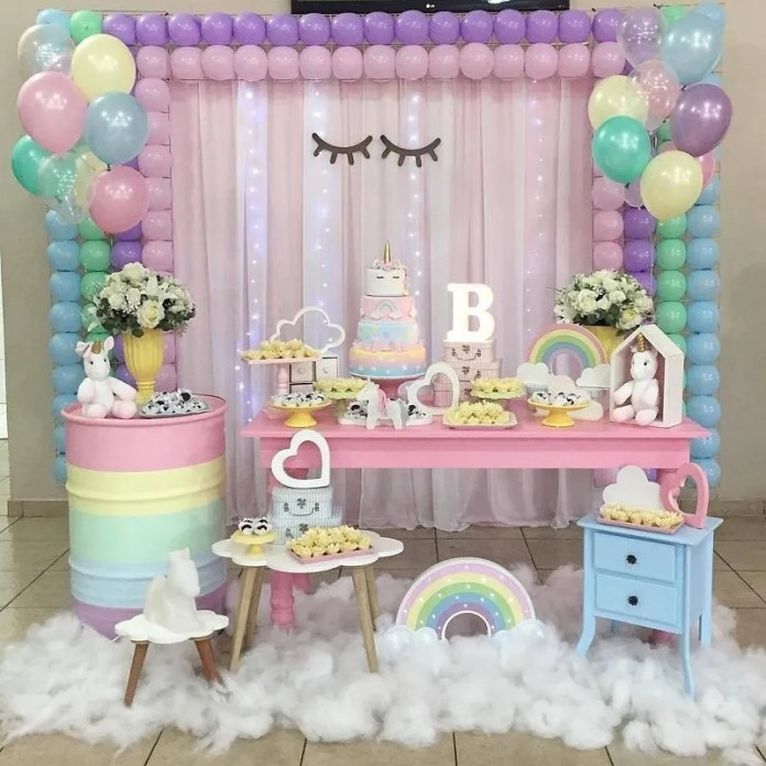 Decoración de globos para baby shower de niña