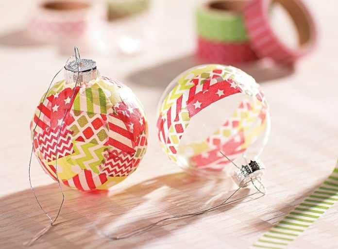 Bolas navideñas con cinta washi tapes