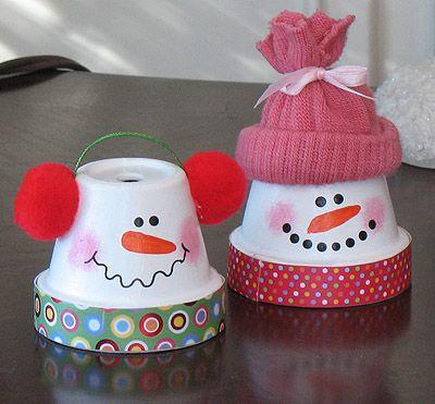 Adornos navideños con vasos de plástico o papel