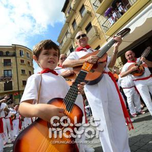14-08-03-fiestas-de-estella-calle-mayor-comunicacion-y-publicidad-020